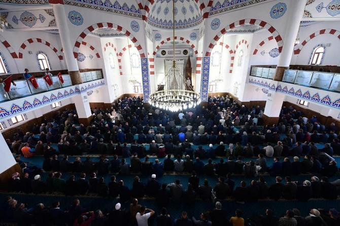 Şırnak'ta tahrip olan cami yeniden ibadete açıldı