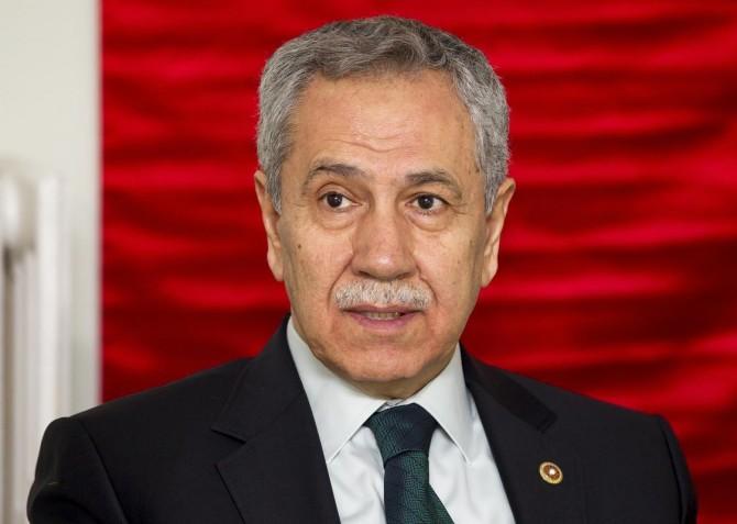 Eski Başbakan Yardımcısı Arınç'tan FETÖ tutuklusuyla ilgili açıklama