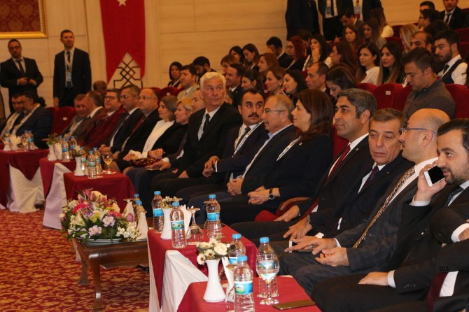 Genç avukatlar Mardin'de toplandı
