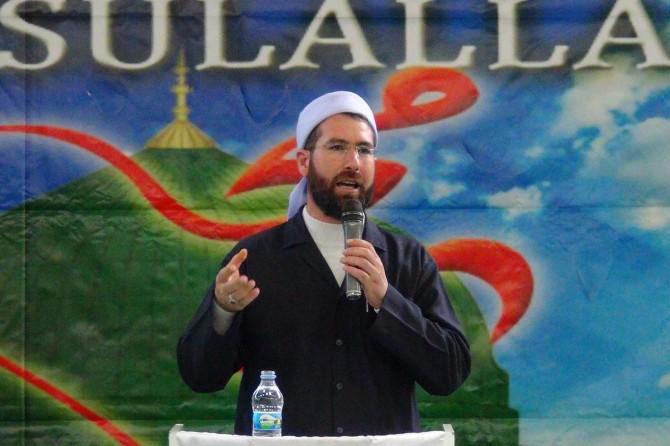 """""""İnsanlık Hz Muhammed'in getirmiş olduğu barış ve adalete muhtaçtır"""""""