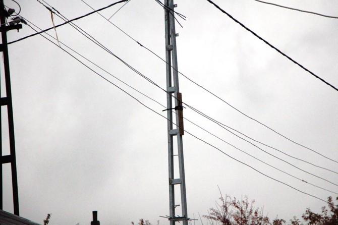 Bingöl Karlıova'da elektrik akımına karşı ilginç önlem