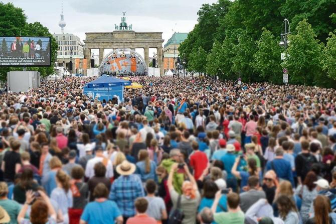 Almanlar erken seçim istiyor!