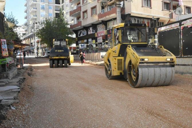 Artuklu'da asfalt çalışmaları devam ediyor