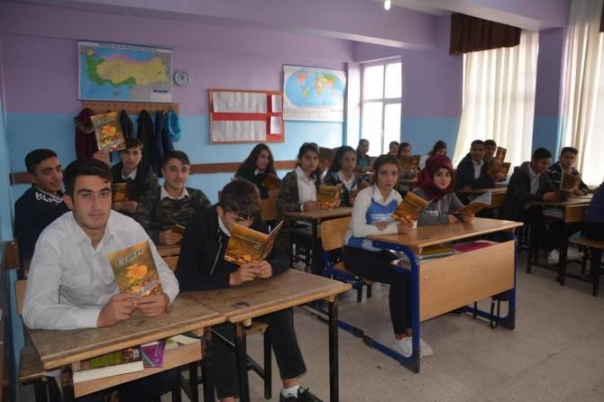 PKK'nin katlettiği öğretmenleri için şiir kitabı yazdılar