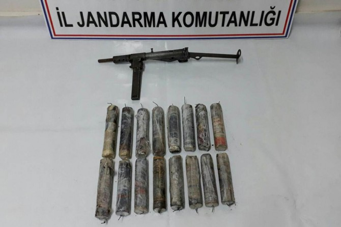 Tunceli'de çok sayıda el yapımı patlayıcı ele geçirildi
