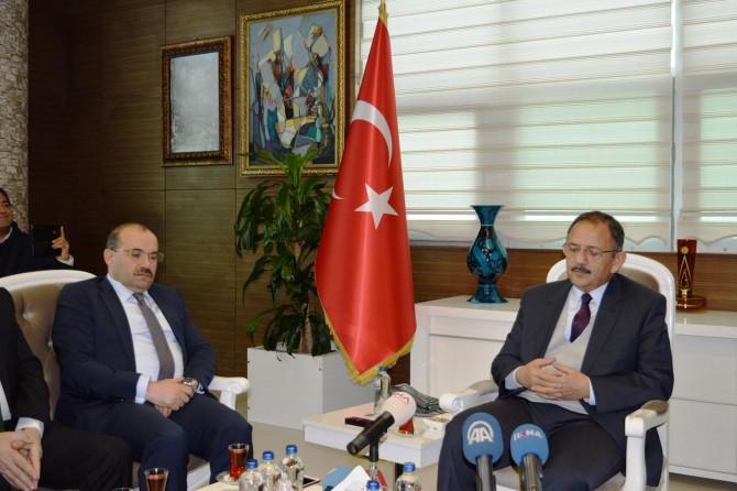 Çevre ve Şehircilik Bakanı Özhaseki Bitlis'te