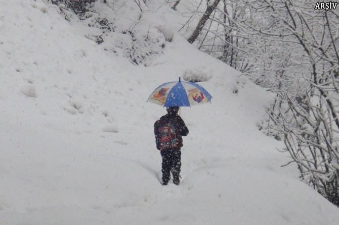 Ağrı ve Bitlis'te eğitime kar engeli