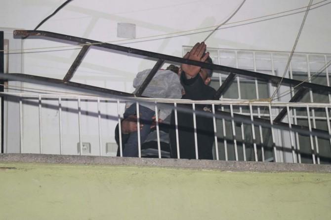 Gaziantep'te eşiyle tartışan adam çocuğunu rehin aldı