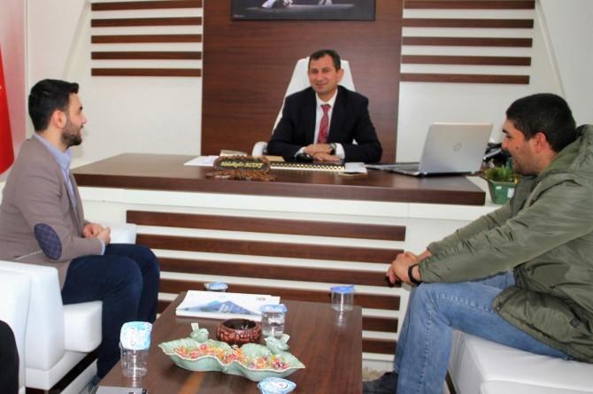 HÜDA PAR Midyat Gençlik kollarından ilçe Milli Eğitim Müdürü Altay'a ziyaret