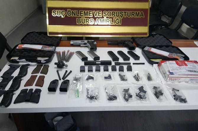 ABD'den gelen kargodan silah parçaları çıktı