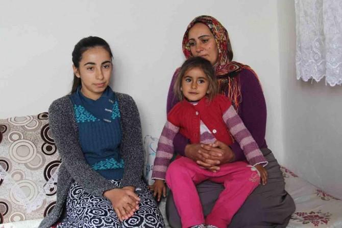 Yarı inşaat evde 7 çocuğuyla kalan kadın yardım bekliyor