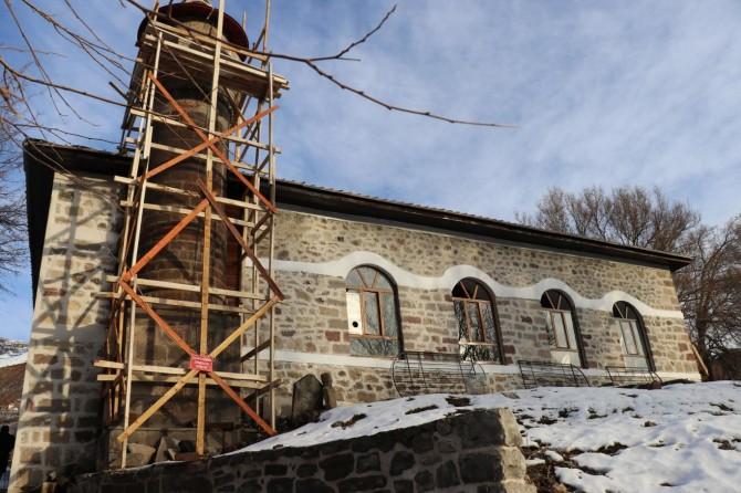 """""""Restorasyonu devam eden 600 yıllık Cami ibadete açılmayı bekliyor"""""""