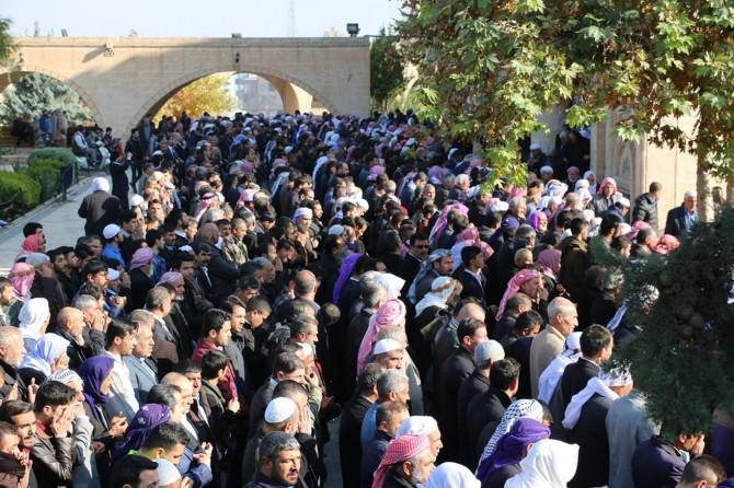 Filistin'de katledilen Müslümanlar için gıyabi cenaze namazı kılındı