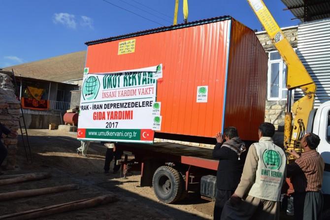 Umut Kervanı depremzedelere konteynır dağıttı