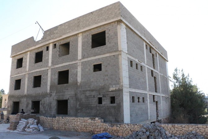 Mardin'de inşaatı bitirilemeyen Mescid-i Aksa Medresesi yardım bekliyor