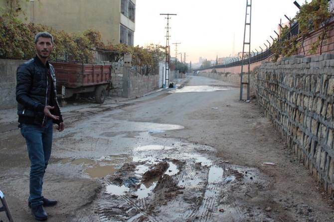 Mardin Nusaybin'de sık sık yaşanan su arızası tepkiye neden oldu