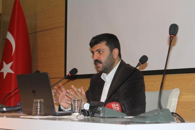 """""""Türkiye'de 10 yılda bir gazeteciler algı üzerinde darbelerde kullanılıyor"""""""
