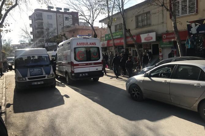 Adıyaman Kâhta'da karşıya geçmeye çalışan çocuğa otomobil çarptı