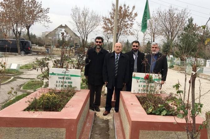 Bem-Bir-Sen Genel Başkanı HÜDA PAR heyetiyle 6-8 Ekim şehitlerini ziyaret etti