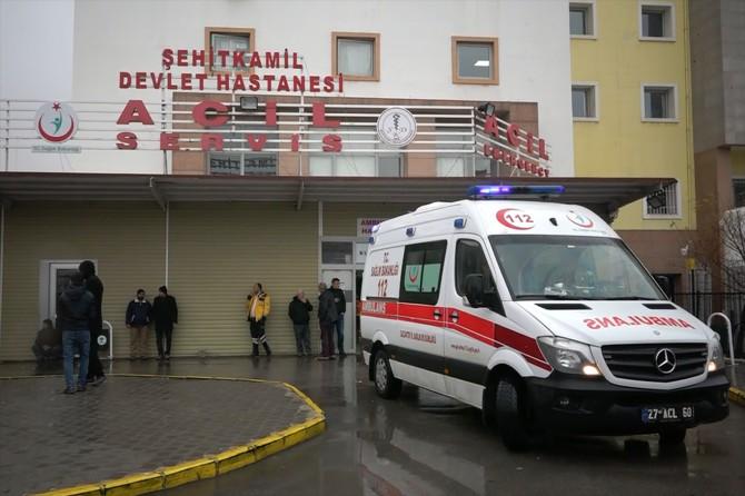 Gaziantep-Nurdağı karayolunda TIR ile otomobil çarpıştı: 1 ölü 2 yaralı
