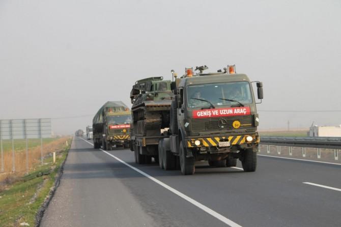 Sınıra yapılacak askeri sevkiyat Kızıltepe'ye ulaştı