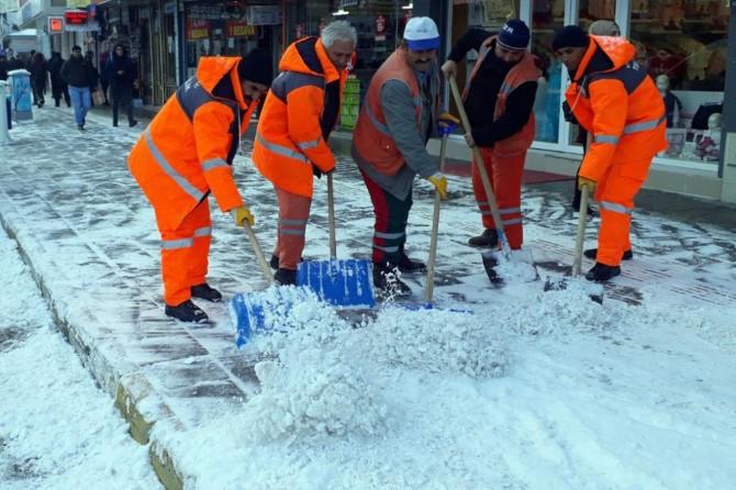 Van'da kar temizleme çalışmaları