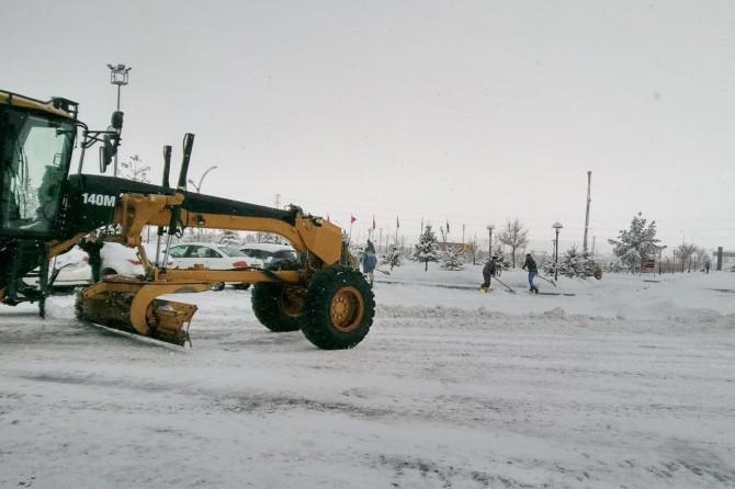 Ağrı'da 138 köy yolu kar nedeniyle ulaşıma kapandı
