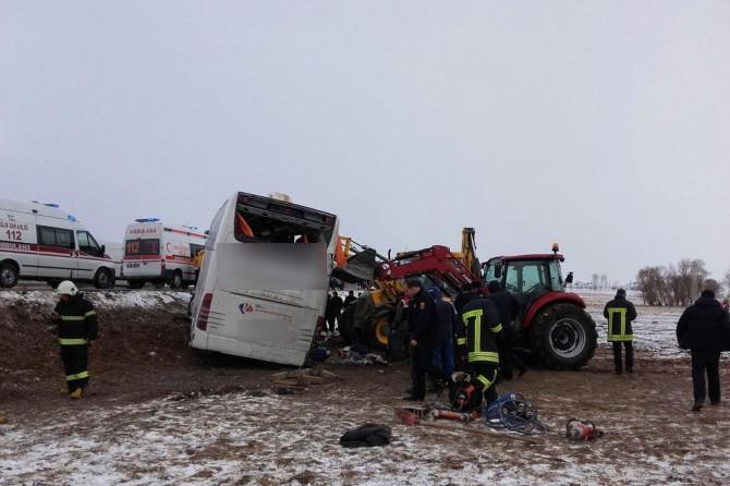 Eskişehir'de feci kaza: 13 ölü