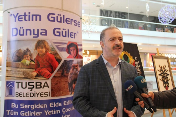 Van Tuşba Belediyesinden Yetim Gülerse Dünya Güler Filografi sergisi