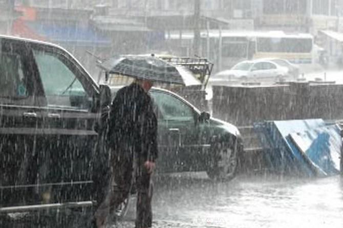 Muğla ve Antalya çevrelerinde kuvvetli sağanak yağış uyarısı