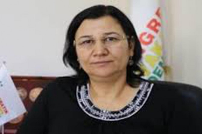 DTK Başkanı Leyla Güven gözaltına alındı
