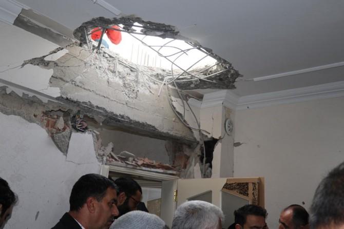 Başbakan Yardımcısı Akdağ roket düşen evlerde incelemede bulundu