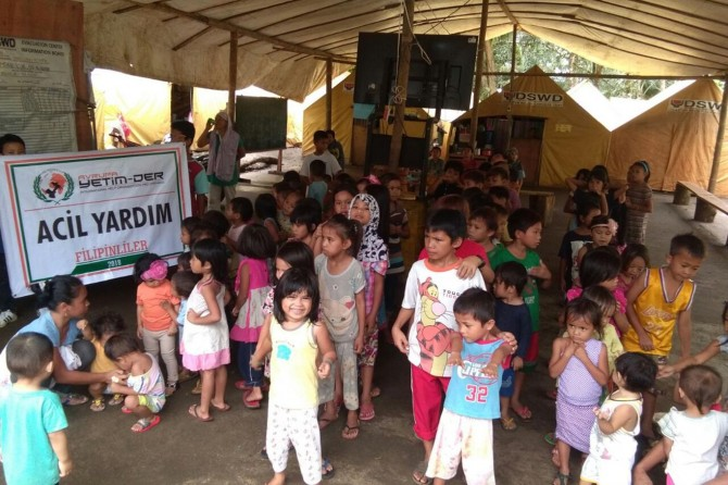 Avrupa Yetim-Der Filipinli mağdurlara ulaştı