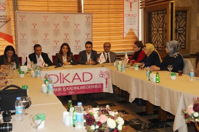 Diyarbakır'da kadınlara yönelik mesleki eğitim programı açıldı