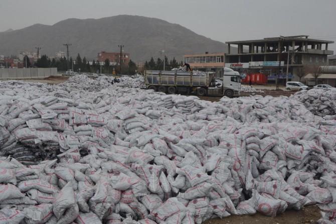 Kozluk'ta kömür yardımının kış ayına sarkması tepkilere neden oldu