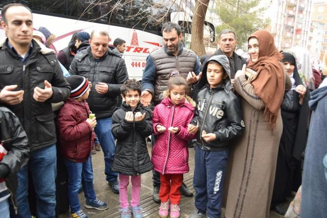 Siirt'te hafızlığı başarıyla bitiren kız öğrenciler umreye gönderildi