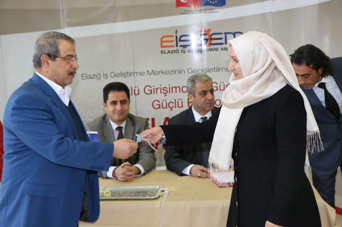 Elazığ İŞGEM'de ilk girişimcilere anahtarları teslim edildi