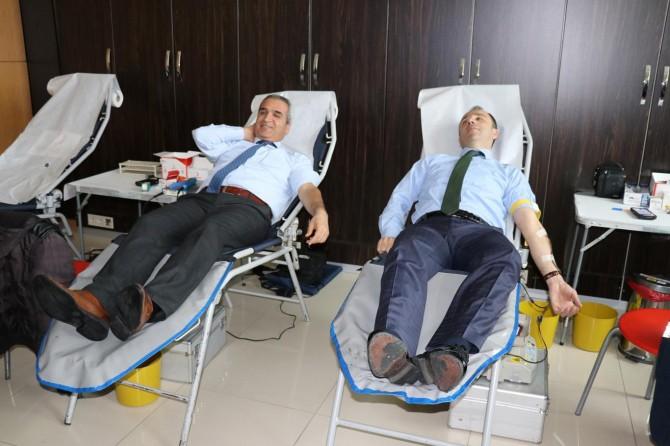 Bingöl Adliyesi çalışanlarından Kızılaya kan bağışı