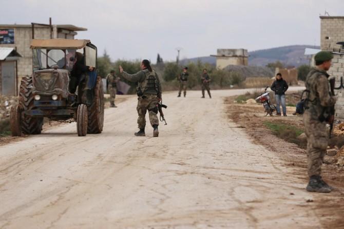 Azez'in Marin köyünde kontrolü ÖSO sağlıyor