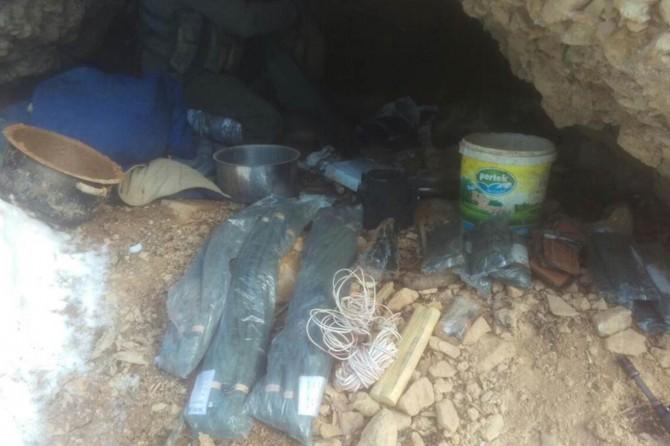 Tunceli'de PKK sığınaklarında çok miktarda malzeme ele geçirildi