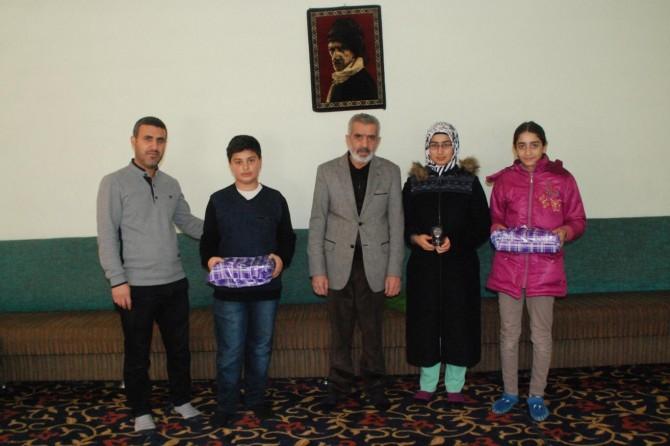 Ağrı'da Meal Sınavı'nda dereceye girenlere ödülleri verildi