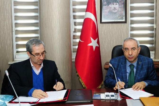 Van YYÜ ve İran Afagh Üniversitesi Protokol İmzaladı