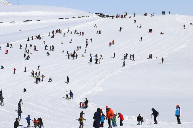 Bingöl Hesarek Kayak Tesislerinde ara tatil yoğunluğu