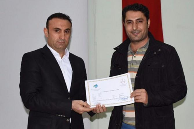 Nusaybin'de servis şoförleri ile avcılara sertifika