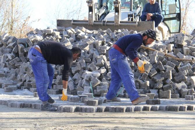 Silvan Belediyesinden Kilitli Parke taşı çalışması