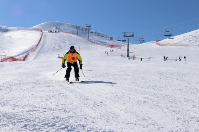 Hesarek Kayak Merkezi'nde 'Masterler Kayak Yarışması' yapıldı