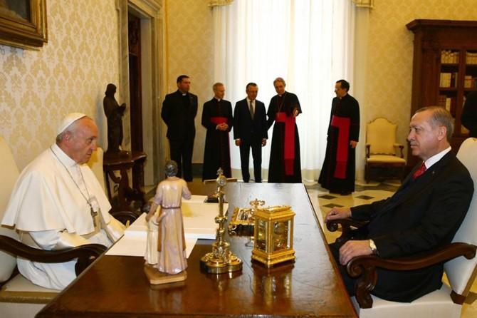 Cumhurbaşkanı Erdoğan Vatikan'ın dini lideriyle görüştü