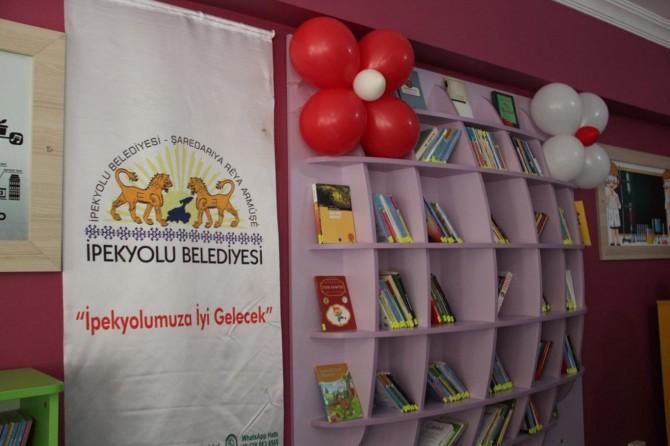 İpekyolu Belediyesinden bir okula daha Z-Kütüphane