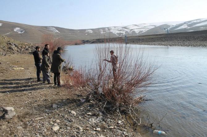 Şubat ayında bahar havasının tadını balık avlayarak çıkarıyorlar