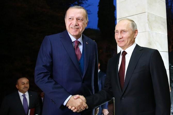 Erdoğan, Putin discuss Syria over phone